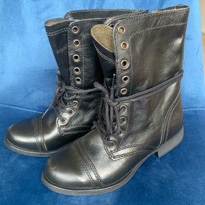 NWOT Steve Madden Troopa Boots Black